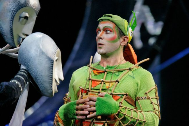 "Nathan Gunn as Papageno in Mozart's ""Die Zauberflöte.""  Photo: Ken Howard/Metropolitan Opera"