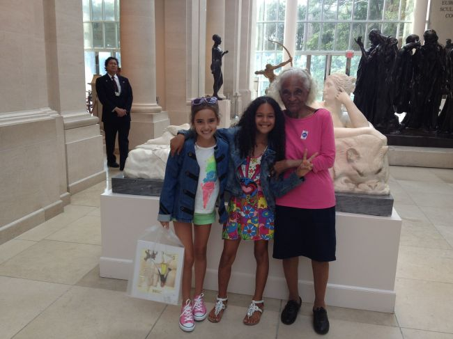 Lexi, Layla & Grandma