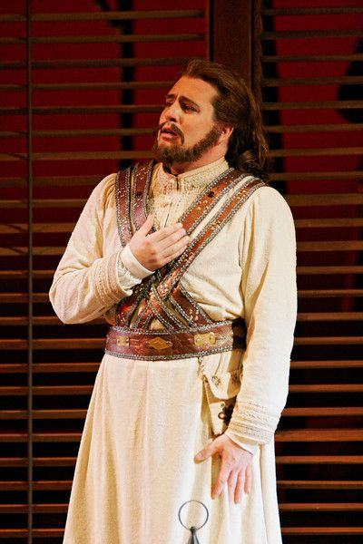 "Matthew Polenzani as Ferrando in Mozart's ""Così fan tutte."" Photo: Marty Sohl/Metropolitan Opera"
