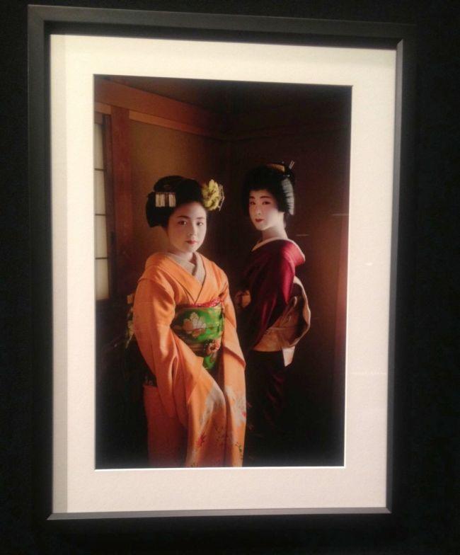Alison Wright- Yachiho-san, a geisha and Komomo, an apprentice maiko- Kyoto, Japan, 2005