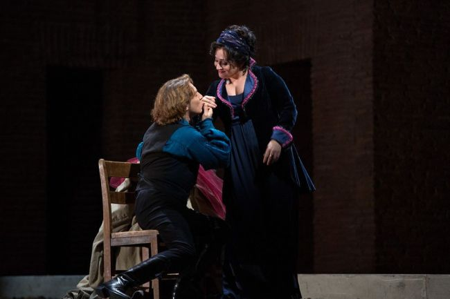 "Roberto Alagna as Cavaradossi and Patricia Racette as the title character in a scene from Act I of Puccini's ""Tosca.""  Photo: Marty Sohl/Metropolitan Opera"