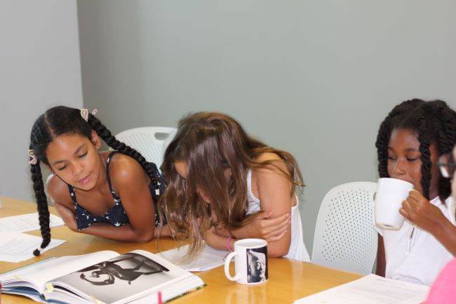 Layla, Lexi and Grace at the High Museum Kids Audio Guide Table Read
