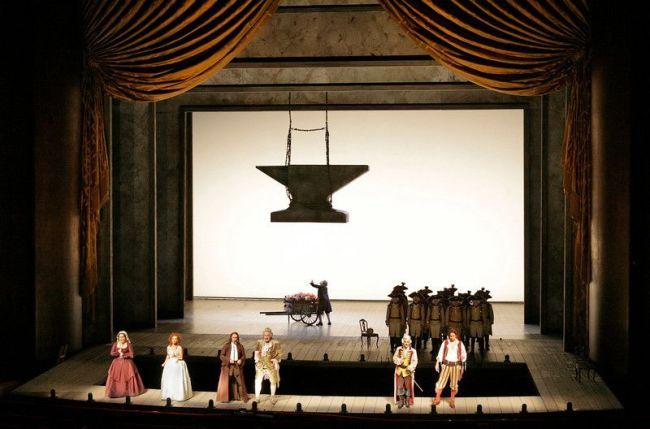 "A scene from Rossini's ""The Barber of Seville."" Photo: Ken Howard/Metropolitan Opera (c) 2006"