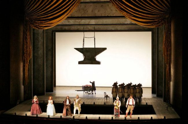 "A scene from Rossini's ""The Barber of Seville."" Photo: Ken Howard/Metropolitan Opera (c) 2006"