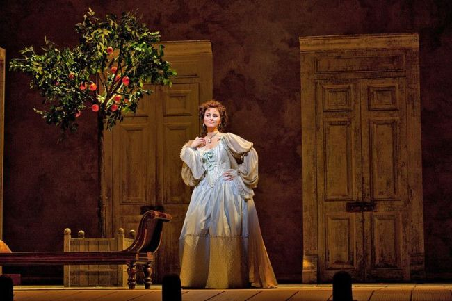 "sabel Leonard as Rosina in Rossini's ""The Barber of Seville."" Photo: Ken Howard/Metropolitan Opera (c) 2011"