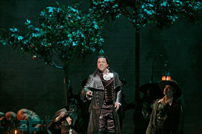 "Lawrence Brownlee as Count Almaviva in Rossini's ""Il Barbiere di Siviglia.""  Photo: Ken Howard/Metropolitan Opera (c) 2007"