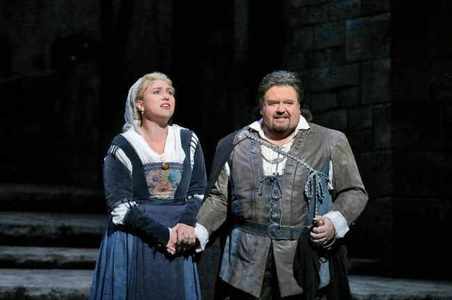 Annette Dasch as Eva and Johan Botha as Walther in Wagner's Die Meistersinger von Nürnberg. Photo: Ken Howard/Metropolitan Opera