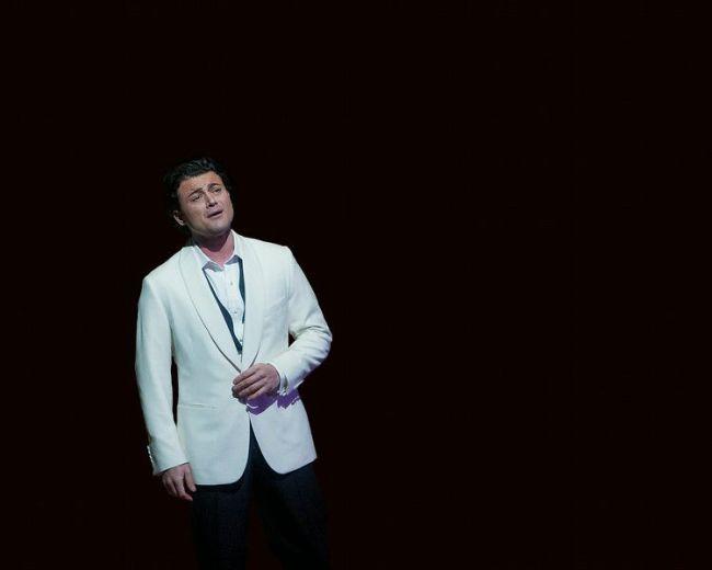 "Vittorio Grigolo sings the title role of Offenbach's ""Les Contes d'Hoffmann."" Photo: Ken Howard/Metropolitan Opera"