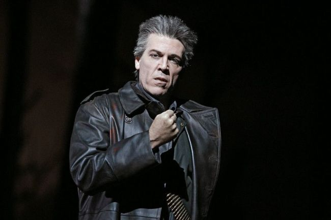 "Thomas Hampson sings the Four Villians in Offenbach's ""Les Contes d'Hoffmann."" Photo: Marty Sohl/Metropolitan Opera"