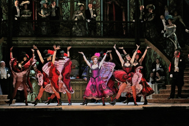 Kelli O'Hara as Valencienne and the Grisettes in Lehár's The Merry Widow. Photo credit: Ken Howard/Metropolitan Opera