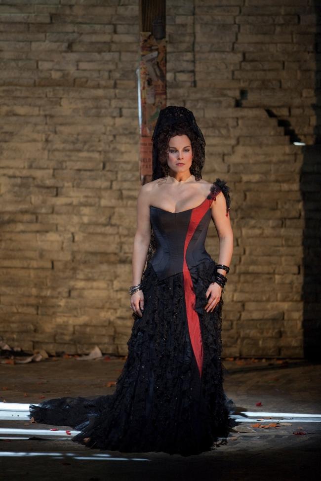 CARMEN Garanca as Carmen_0003